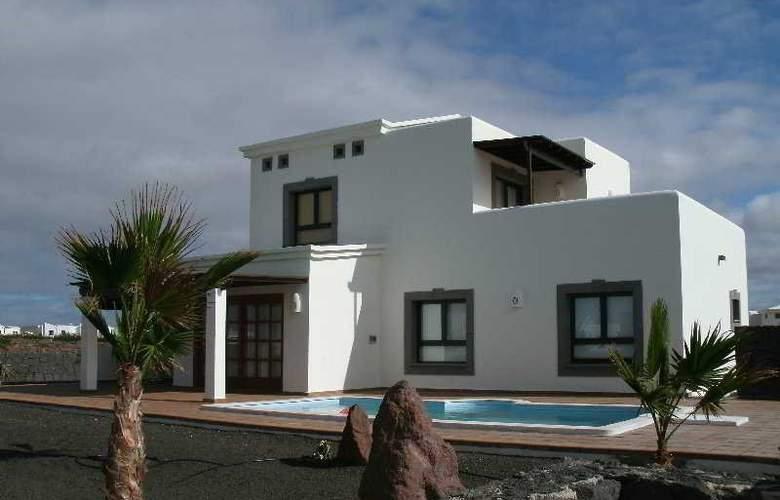 Villas Coral Deluxe - Hotel - 1