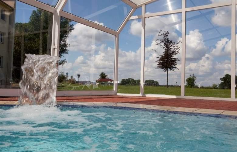 Landhotel Schloss Teschow - Pool - 2