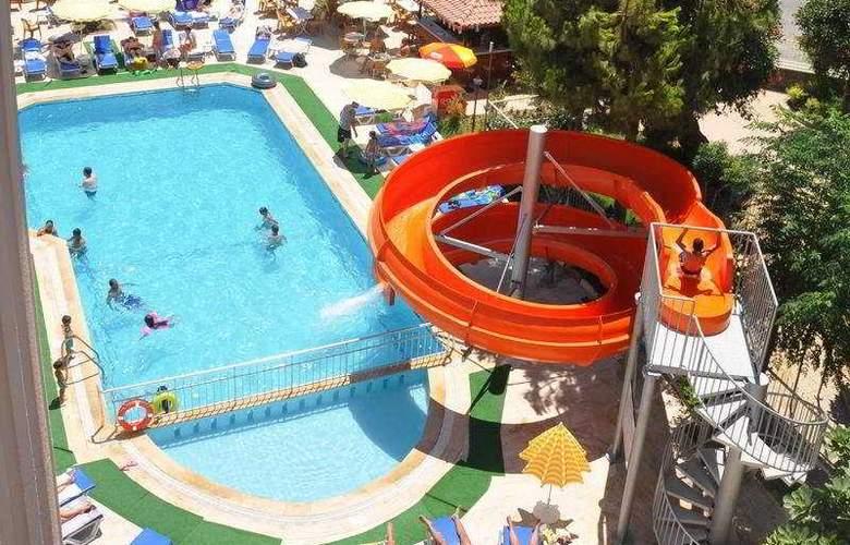 Primera Hotel Apart - Pool - 7