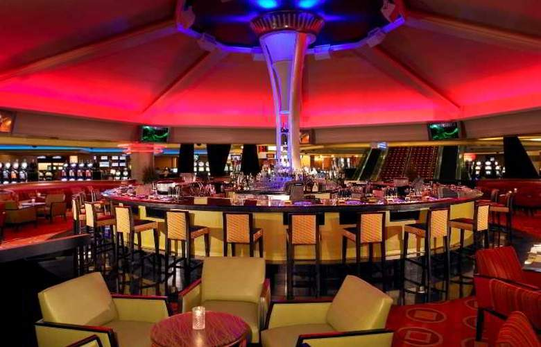 The Strat Hotel, Casino and Skypod - Bar - 16