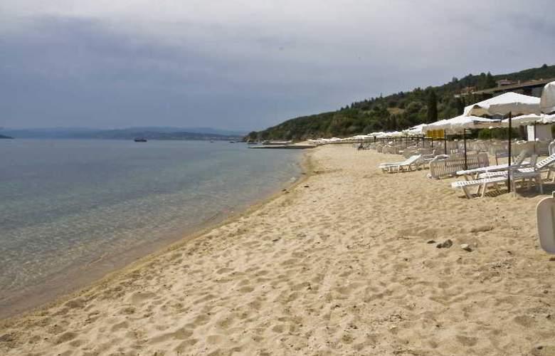 Pyrgos - Beach - 12