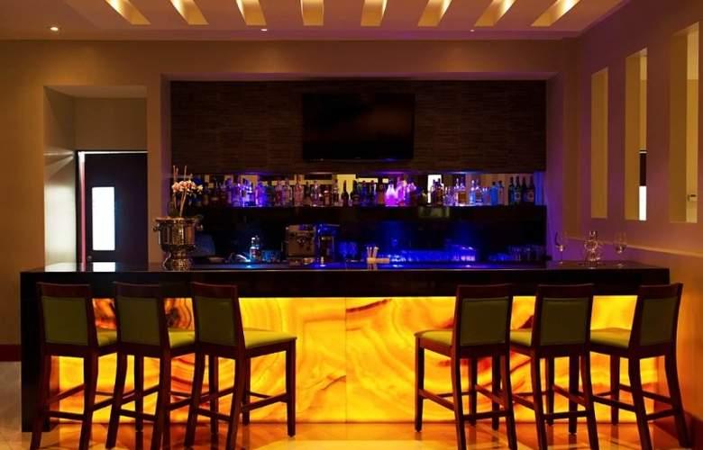Wyndham Garden San José Escazú - Bar - 4