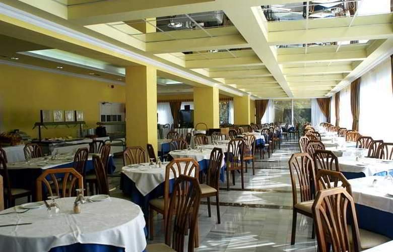 Elegance Miramar - Restaurant - 15