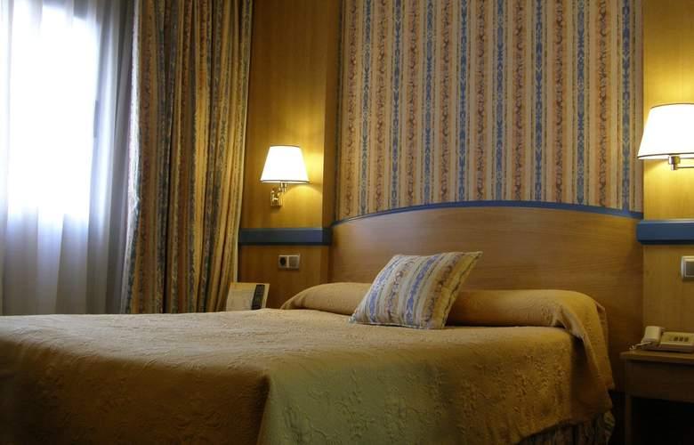 Gran Versalles - Room - 12