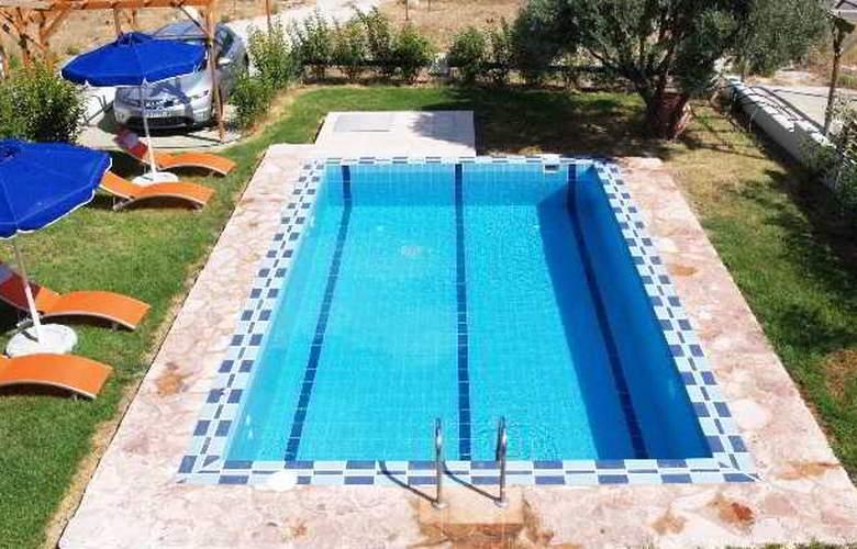 12 Islands Villas - Pool - 1