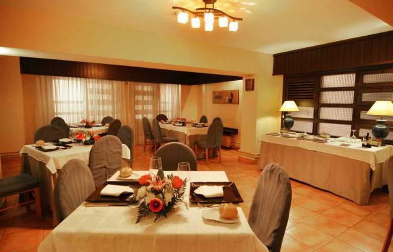 Hotel Alcantara (Antes Husa) - Restaurant - 20