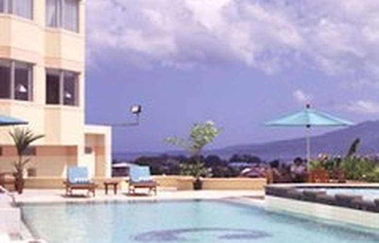 Gran Puri Manado - Pool - 8