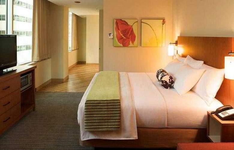 La Quinta Inn & Suites Chicago Downtown 2013 - Room - 2