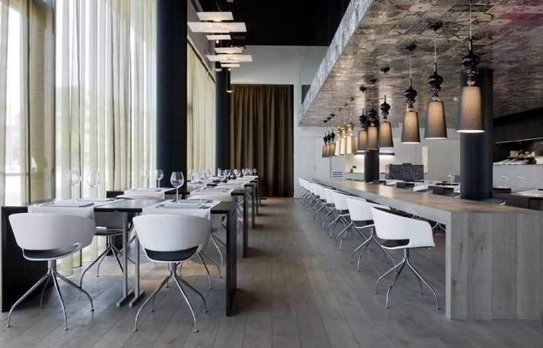 Carbon Hotel - Restaurant - 6