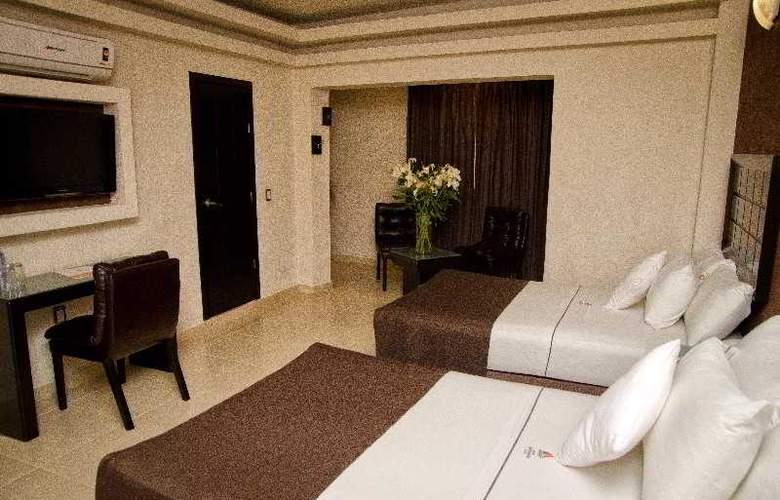 Portonovo Plaza Guadalajara - Room - 12
