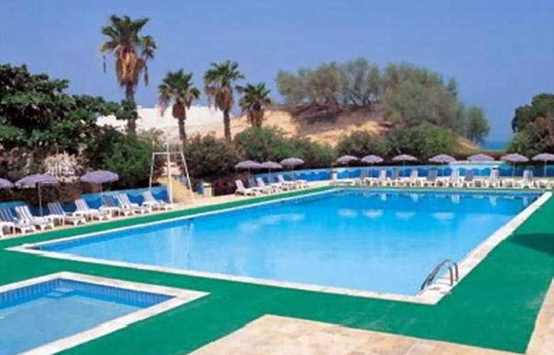 Bin Majid Beach Hotel - Pool - 4