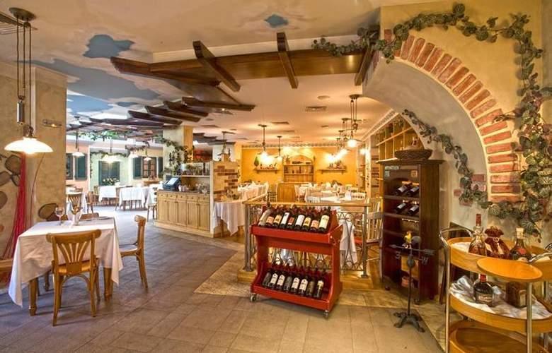 Best Western Premier Collection City Sofia - Restaurant - 82