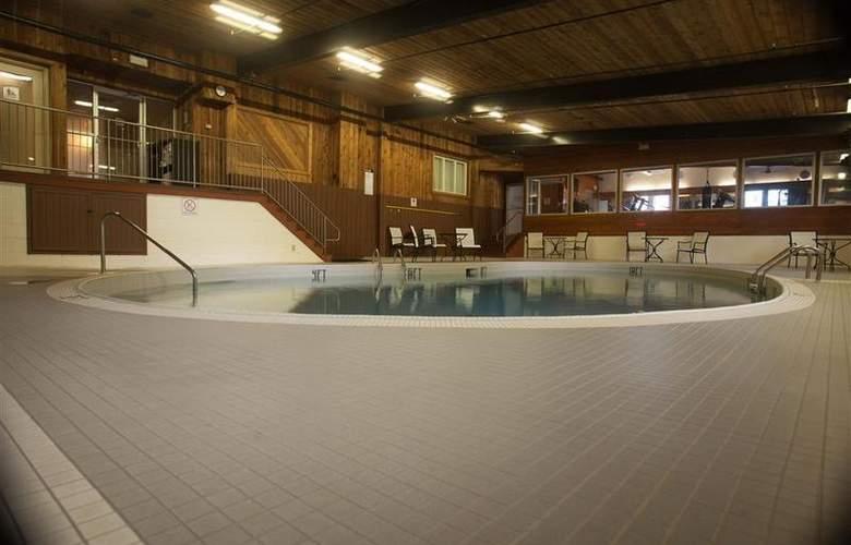 Best Western Charlottetown - Pool - 79