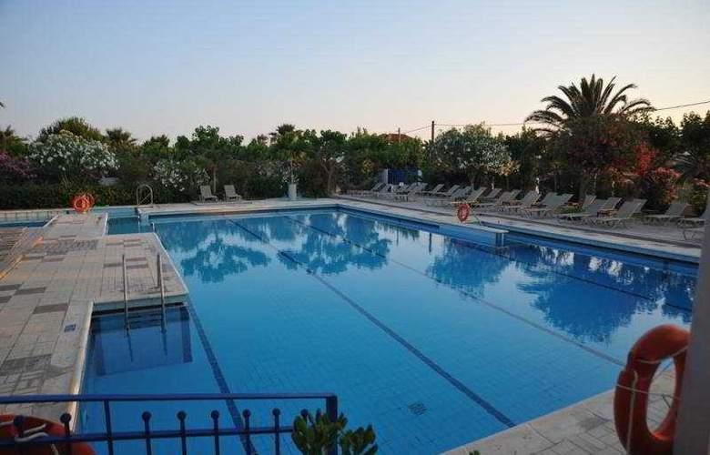 Sirocco - Pool - 5