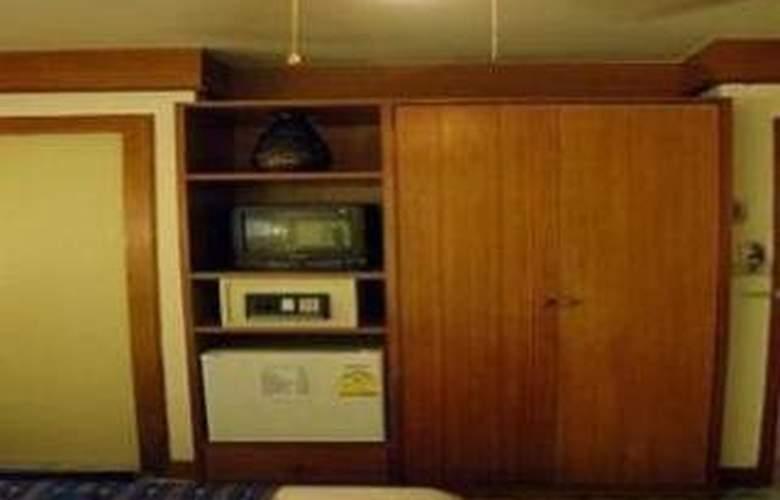 Beach Road Inn - Room - 9