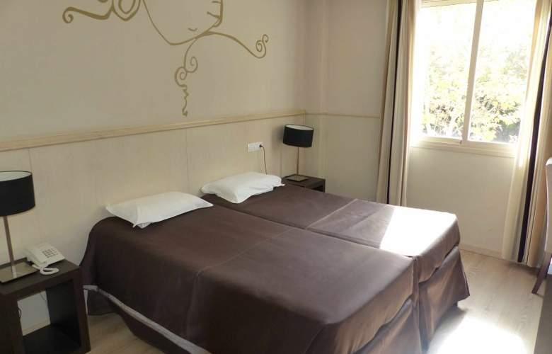 Suites Feria de Madrid - Room - 2