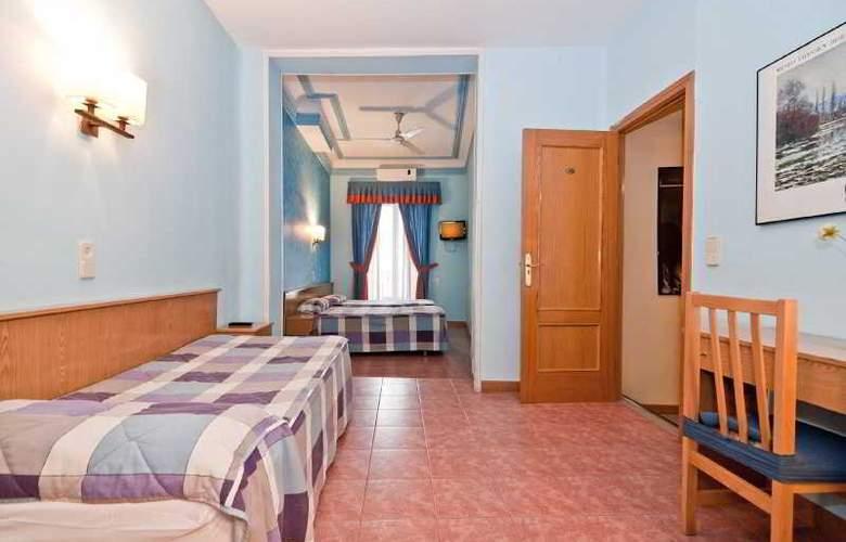 Oporto - Room - 18