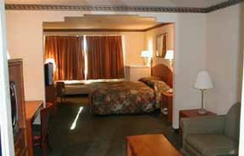 Quality Inn near Seaworld - Room - 2