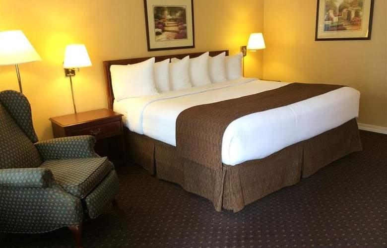 Best Western Lakewood Motor Inn - Room - 17