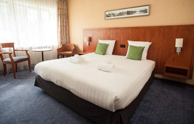 New West Inn - Room - 1