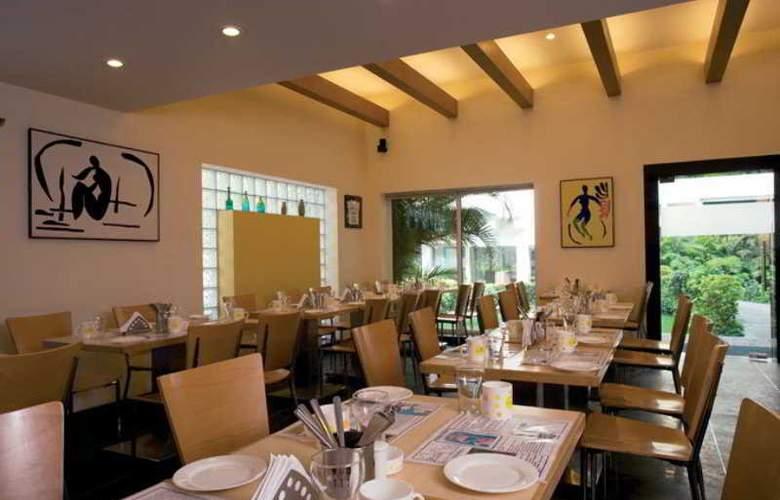 Lemon Tree Hotel, Udyog Vihar - Restaurant - 13