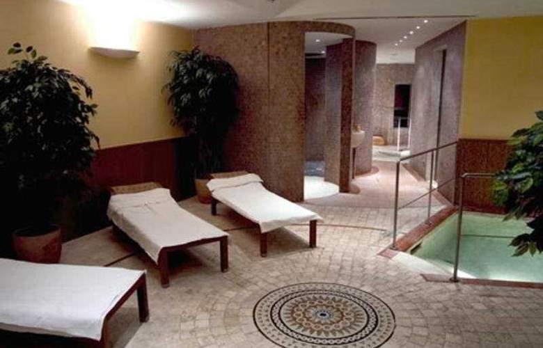 NH Ischia Thermal Spa Resort - Sport - 10