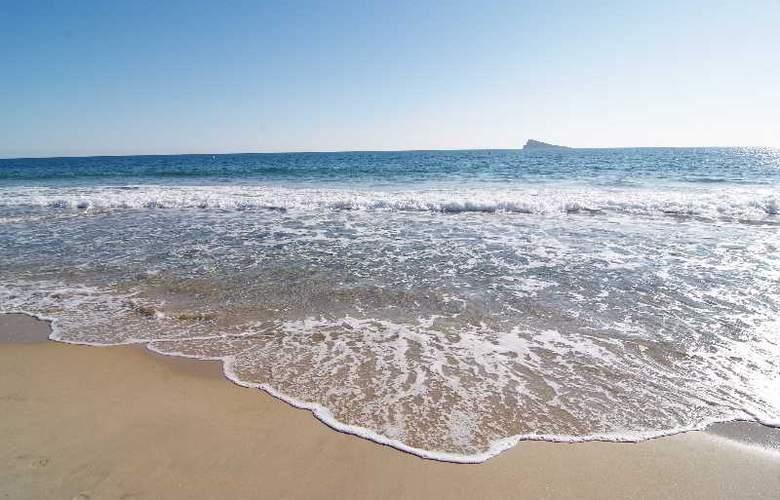 Sandos Monaco Beach Hotel and Spa - Beach - 23
