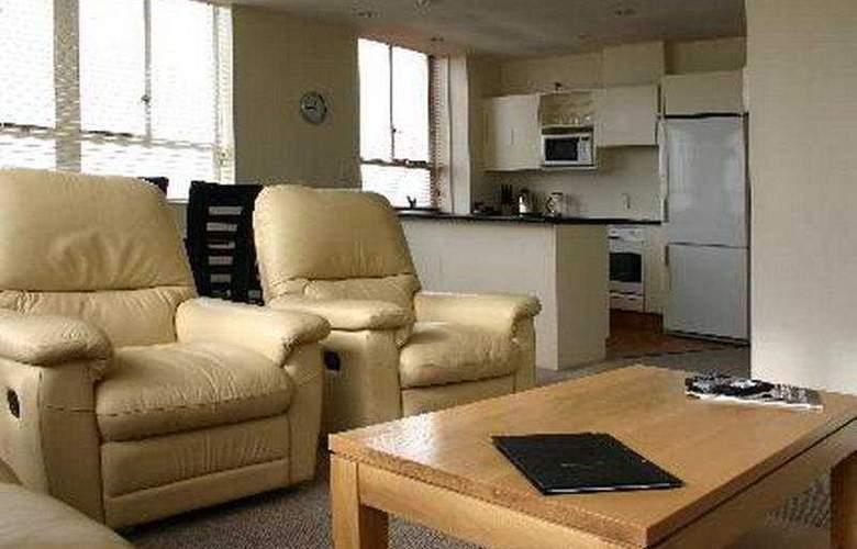 Poplars Apartment - Room - 0