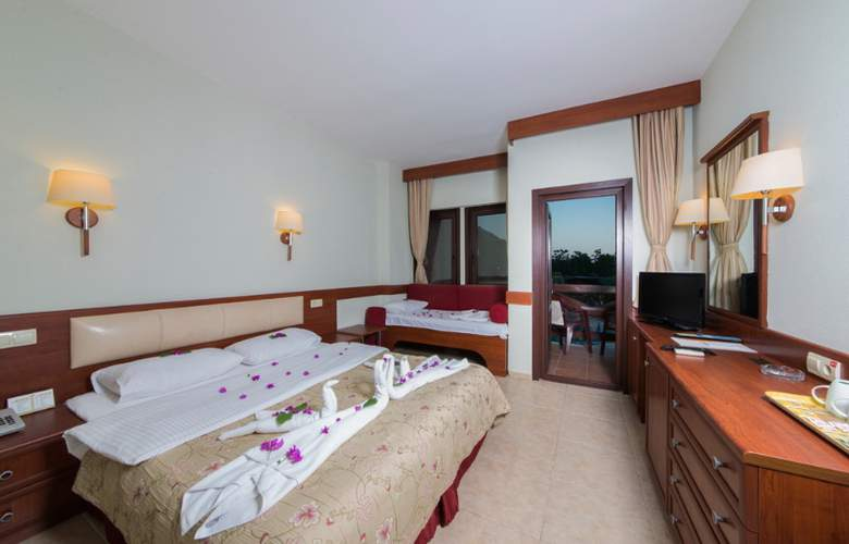 Suncity Hotel & Beach Club - Room - 5