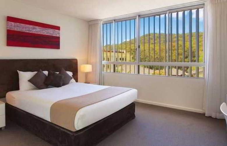 Oaks Lure Apartments - Room - 10