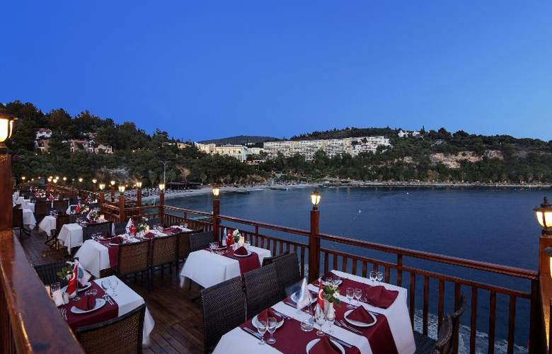 Pine Bay Holiday Resort - Restaurant - 19