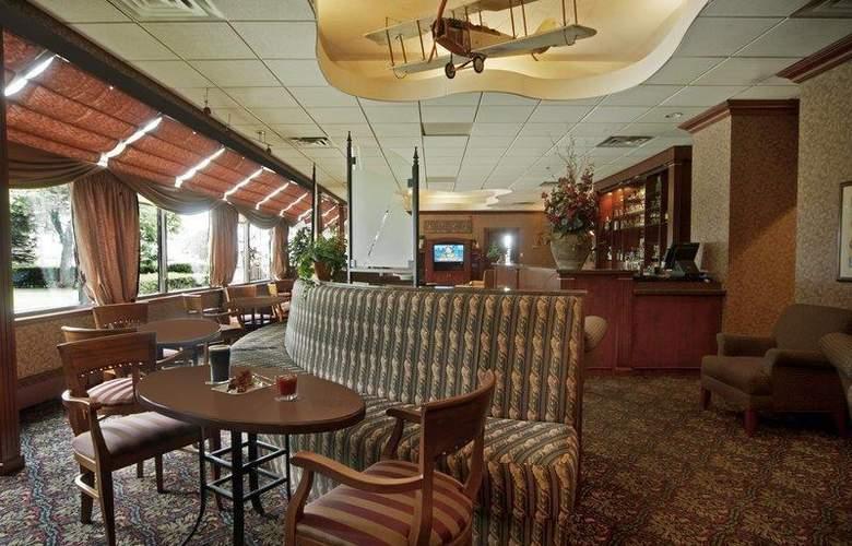 Best Western Port O'Call Hotel Calgary - Bar - 113