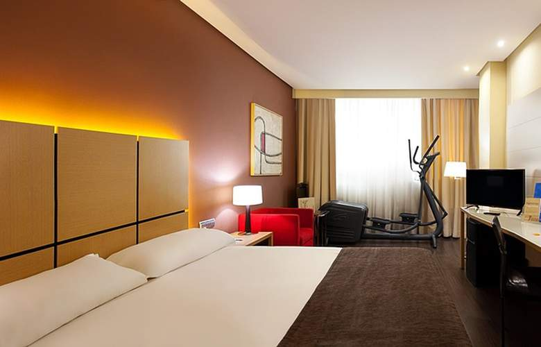 Silken Puerta Valencia - Room - 8