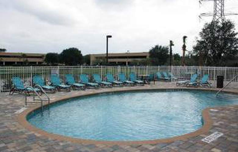 Comfort Suites At Fairgrounds-Casino - Pool - 4
