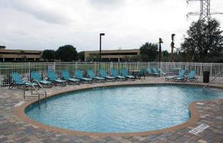 Comfort Suites At Fairgrounds-Casino - Pool - 5
