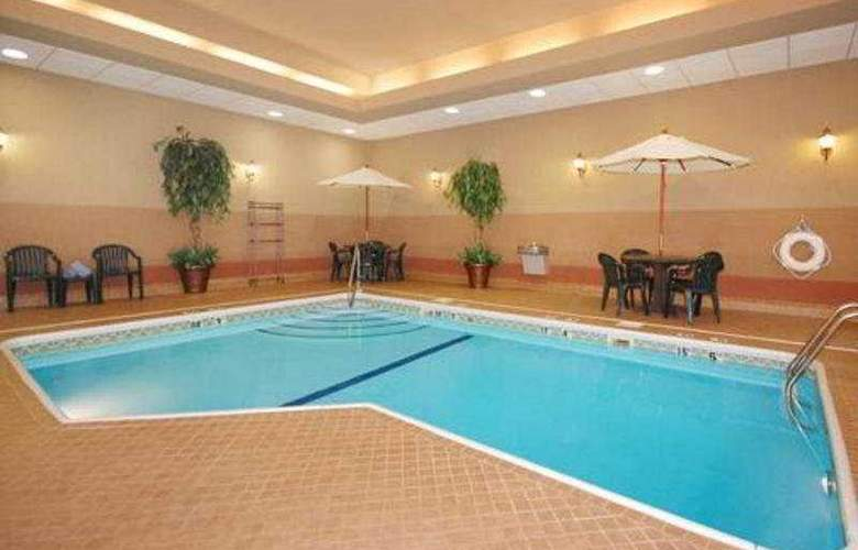 Comfort Suites Medical District - Pool - 5