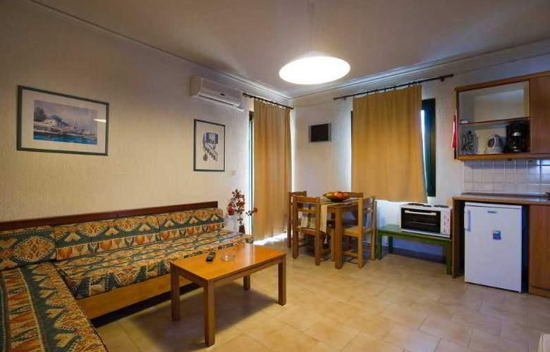 Rainbow Apartments - Room - 7