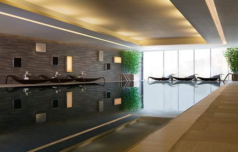 Hong Kong SkyCity Marriott Hotel - Pool - 3