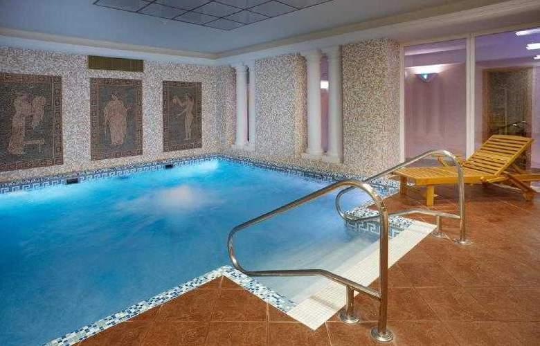 Orea Spa Hotel Palace Zvon - Pool - 6