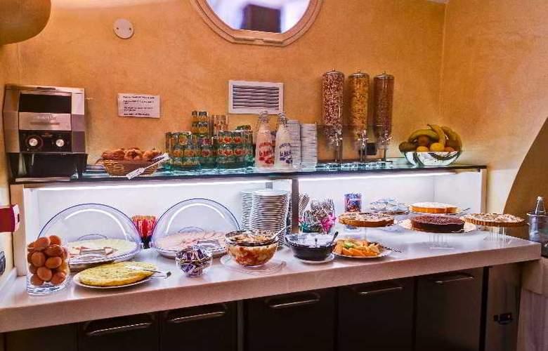 Crosti Hotel & Residence - Restaurant - 6