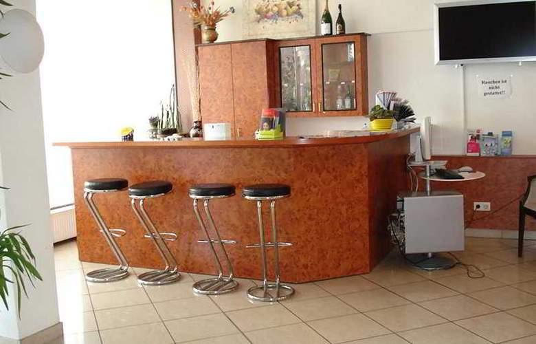 Minerva - Bar - 5