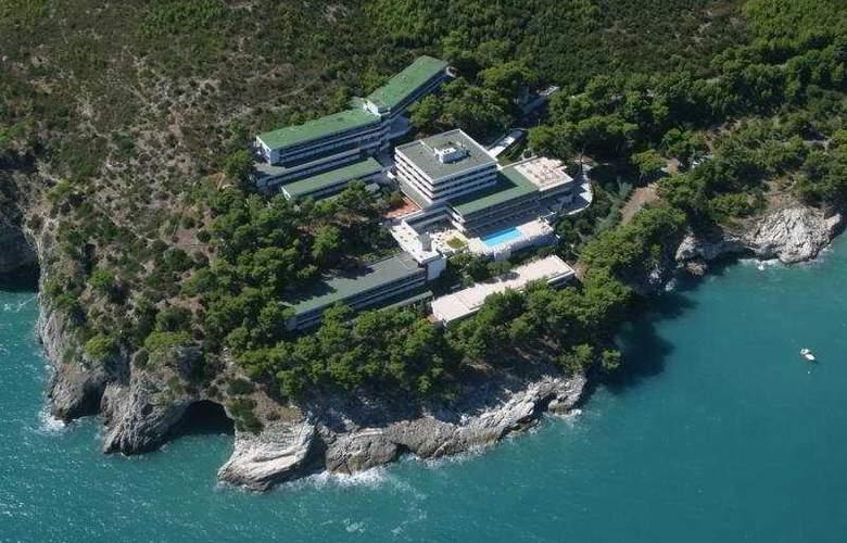 Del Faro Pugnochiuso Resort - General - 1