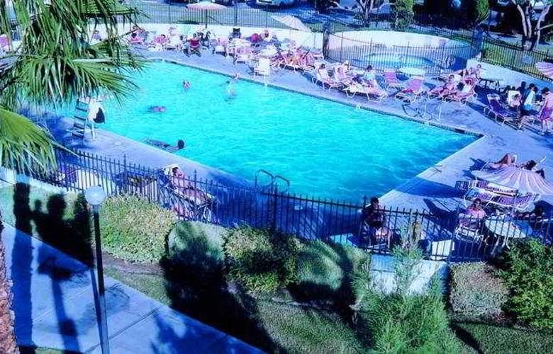 Circus Circus - Pool - 6