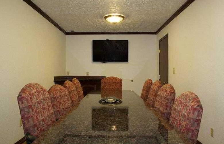Best Western Plus Ahtanum Inn - Hotel - 13