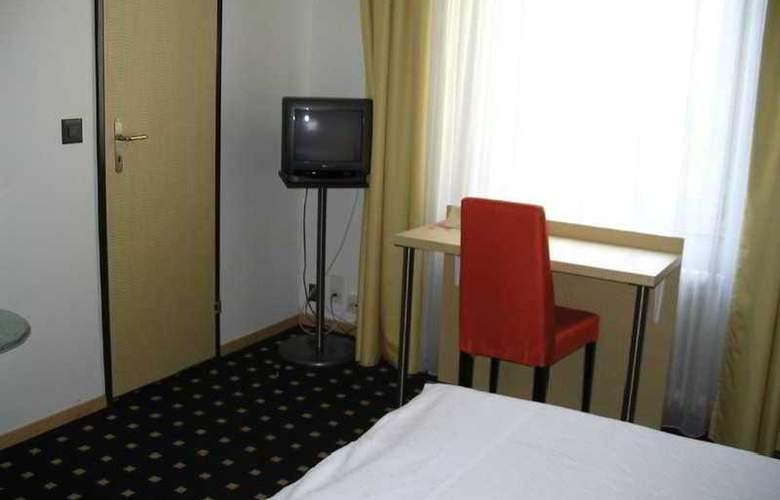 Basilisk - Room - 4