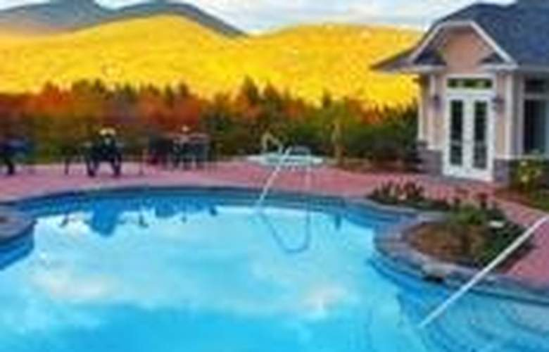 Nordic Village Resort - Pool - 4