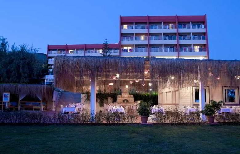 Bella Luna - Hotel - 13