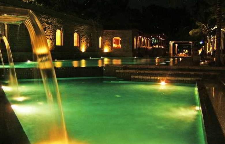 Nakamanda Resort & Spa - Pool - 4