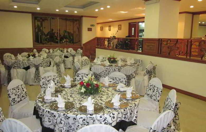 Andes Plaza - Restaurant - 8