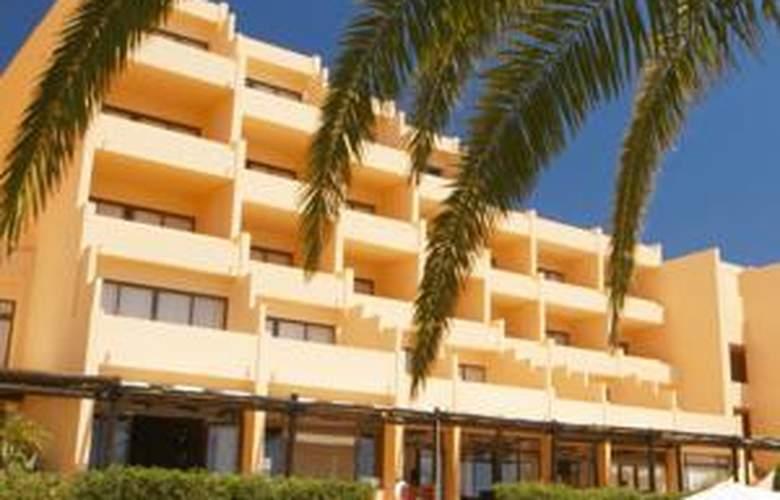 Dom Pedro Lagos - Hotel - 0
